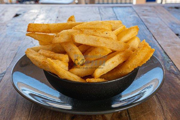 Fries with aioli at Anchor Bar Restaurant, Airlie Beach, Whitsundays