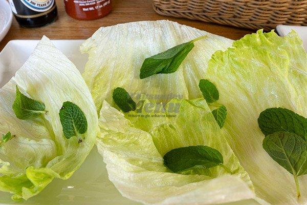 salad starter d'Viet House, Airlie Beach,
