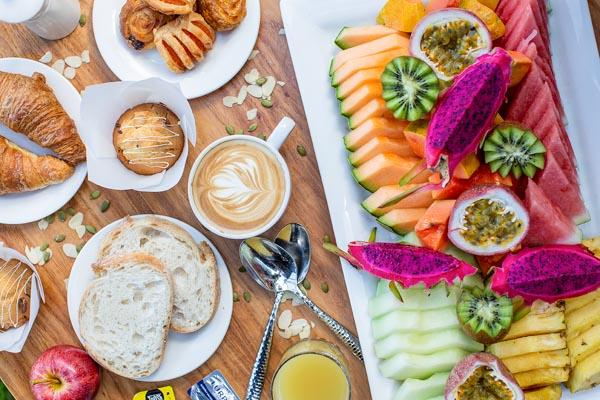 breakfast buffet, The Rocks Bar & Restaurant, Coral Sea Resort, Airlie Beach, Whitsunday Region
